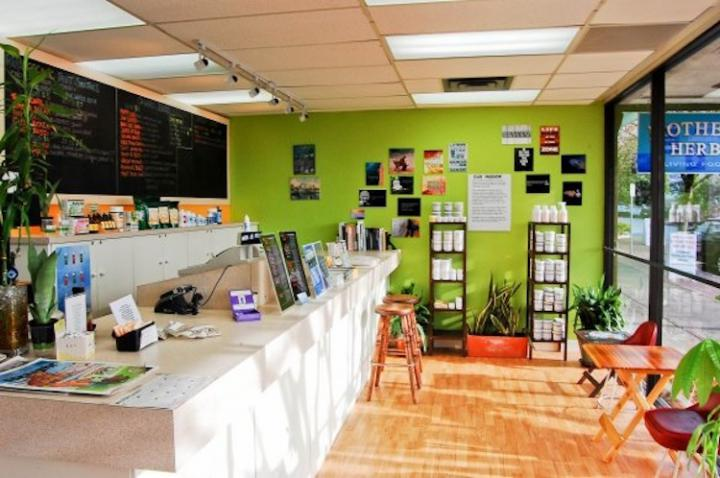 Get a fresh boost at these vancouver juice bars bcliving for Bar food vancouver